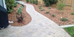 blue-oak-landscaping-ann-pavers-walkway-backyard-chico-landscape